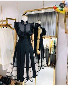 Women's Fashion Dresses, Casual Dresses, Girl Fashion, Fashion Design, Clothes Mannequin, Mode Kpop, Workwear Fashion, Princess Outfits, Vintage Style Dresses