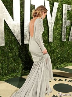 Miley Cyrus vanity fair oscar party 2012