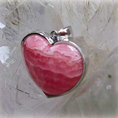 """The Hart form and quality manganese spar; rhodochrosite (M) A silver processing -  crystal, an angel, and healing one-house house"""" Crystal Garden   Mejiro """""""