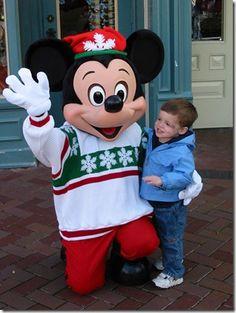 Top 5 things to experience at Disneyland during Christmas Season