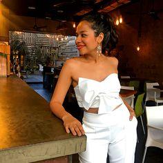 CropTop Con Moño Enlazado | Stella Cardona Moda Vestido Strapless, Casual Looks, Fashion Outfits, Crop Tops, How To Wear, Dresses, Women, Vestidos, Trendy Clothing Stores