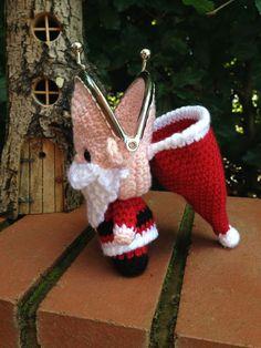 Santa Coin Purse Crochet Pattern por LauLovesCrochet en Etsy