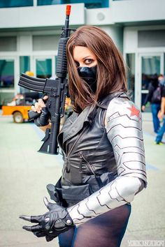 Winter is Coming // Lady Winter Soldier cosplay by Tenacious Bee // Photography by York in a Box Superhero Cosplay, Marvel Cosplay, Cosplay Costumes, Halloween Costumes, Cosplay Ideas, Cosplay Diy, Costume Ideas, Female Avengers, Winter Soldier Cosplay