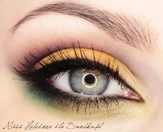 Must try on my bff! She had the prefect hazel eyes to look great in these colors! Yellow Makeup, Yellow Eyeshadow, Gorgeous Eyes, Pretty Eyes, Makeup Dupes, Hair Makeup, Simple Eye Makeup, Maquillage Halloween, Beauty Make Up