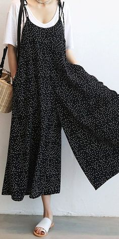 O-NEWE Women Loose Dot Spaghetti Strap Jumpsuits. This jumpsuit should have been given away for free. Outfits Casual, Cute Outfits, Fashion Outfits, Womens Fashion, Fashion 2015, Women's Casual, Ladies Fashion, Fashion Ideas, Older Women Fashion
