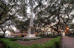 The Nathanael Greene Monument in Johnson Square