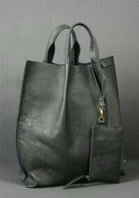 Love this grey leather bag. Tote Handbags, Purses And Handbags, Leather Handbags, Leather Bags, Leather Totes, Leather Backpacks, Grey Leather, Vintage Leather, Leather Purses