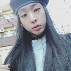 ロングに変身笑 . . . #model#asianmodel#japanesemodel#tokyo#photography#hairmake#makeup#blackhair#ootd#instagood#vscocam#fashion#fashionmodel#styling#unif#drmartens#モデル#撮影#コーディネート#サロン#ヘアスタイル#写真#ファッション#スタイリング#オシャレさんと繋がりたい#ストリートファッション#
