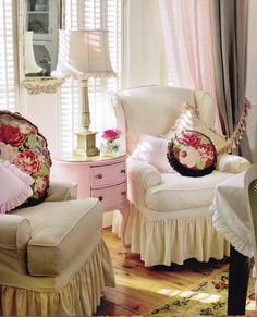 Maison Decor: Romantic Seating, Frenchy Style