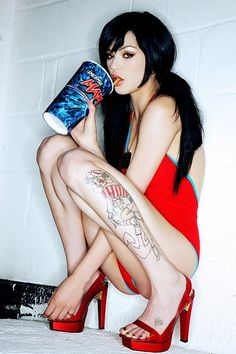 Coca Cola o Pepsi   764c9bb68dc3703c35c82033e0ea7fd0--tattooed-girls-inked-girls