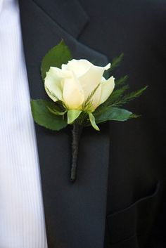 TBH I haven't found a white flower for the men that I've liked yet!
