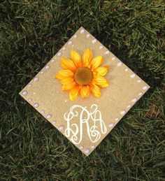 Monogrammed graduation cap #diygraduationcap #monogram #sunflower