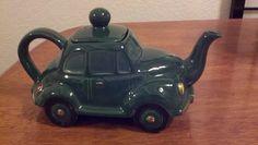 Morris Minor Teapot, Thanks to Price Kensington Potteries. Teapots And Cups, Teacups, Classic Style, Classic Cars, Morris Minor, Tea Blends, Station Wagon, Art Cars, Tea Time