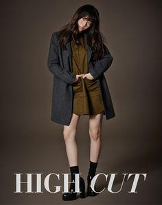 f(x) Krystal in High Cut Vol. 135 Look 2
