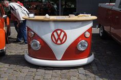 Vw bus red bar