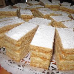 Mézeslapos krémes Recept képpel - Mindmegette.hu - Receptek Hungarian Recipes, Hungarian Food, Recipes From Heaven, Cornbread, Vanilla Cake, Dessert Recipes, Cooking Recipes, Cheese, Ethnic Recipes