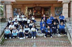 Um grupo de alunas do 5.º ano do Instituto de Odivelas em visita de estudo ao Jardim Zoológico de Lisboa no ano lectivo de 2012/2013. No presente ano lectivo, pela primeira vez na História do Instituto de Odivelas, uma escola com 114 anos de idade, não foi permitido o ingresso de alunas para o 5.º ano.