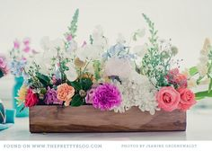 use pallets for boxes, decorate with mums, gourds for fall on picnic tables at rehearsal dinner