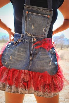 Redneck Girl Aprons: Website Almost Finished! Jean Apron, Redneck Girl, Redneck Party, Cute Aprons, Apron Designs, Denim Crafts, Sewing Aprons, Aprons Vintage, Denim And Lace