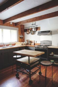 Tour Vintage Rustic Luxe in the Catskills