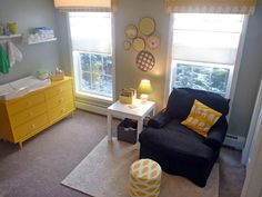 Why is it that all the ideas i like are nursery designs? Wth?? Circle things on wall :-) Grey and yellow with pops of green.