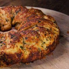 Knoblauchbrot mit Käse | BRIGITTE.de
