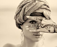 she is beautiful, and I want the henna! <3  <3 #genevieverose3 <3