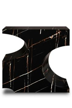 Bryce is a giant natural amphitheatre caused by erosion through the Paunsaugnt Plateau. The BRYCE II Console pays tribute to this plateau through its unique design in high gloss black lacquer and glossy gold leaf. It is a plus to any home entryway or even as a plus in the living room or dining room.  #entrywaydesign #hallwaysdesign #contemporaryentryways #modernentryways #classicentryways #mid-centuryentrywyas #eclecticentryways