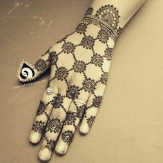 Trending minimal new bridal mehndi design ideas for this wedding season - Lace Glove henna