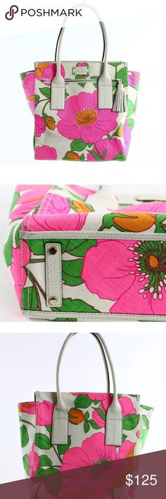 """Kate Spade Floral Purse A super fun purse for upcoming spring! In great condition! This is a must have! Dimensions listed under size and this has a 7"""" strap drop. kate spade Bags Shoulder Bags"""