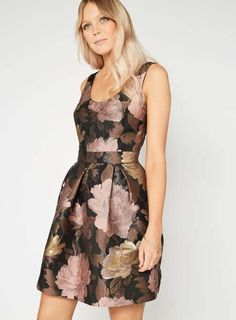 BOW BACK FLORAL PROM DRESS #fasion #trend #onlineshop #outfit #shoptagr