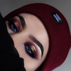 Keep your eyes warm this fall @ayeeshabx used her #MorpheBrushes to add some heat to her eyes. You slay us every time. So glad you're a #MorpheBabe ❤️
