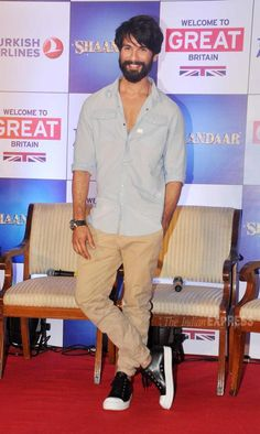 Shahid Kapoor promoting #Shaandaar at the 'Tourism in Britain' promo event. #Bollywood #Fashion #Style #Handsome