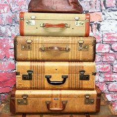 Terrific Vintage Franklin Tweed Suitcase