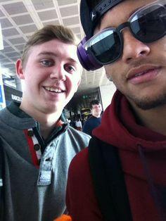 Trip nach Manchester (23.02.2015) Neymar & Fans Photos Instagram: @jenniitawr @marialabrador9 @mikimartipierre Photos Twitter: @LancefieldTom @ShaunaShouldRun