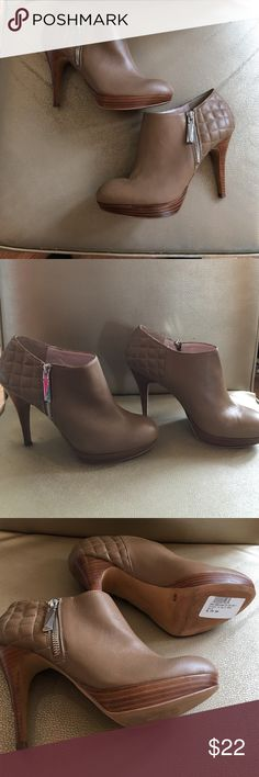 """Vince Camuto Nude Quilted Ankle Bootie Vince Camuto Nude Quilted Ankle Bootie. Size 8. Minor scuff on heel 4"""" review photos. Worn lightly. Outside zipper. Quilted detail. Wood Platform heel. Vince Camuto Shoes Ankle Boots & Booties"""