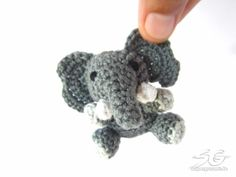 Amigurumi Elefant häkeln Amigurumi Elefant häkeln Learn the fact (generic term) of how to crocheting Crochet Elephant Pattern Free, Crochet Keychain Pattern, Elephant Applique, Free Crochet, Free Pattern, Crochet 101, Crochet Gifts, Elephant Keychain, Crochet Patterns Amigurumi