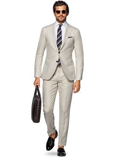 Suits_Light_Brown_Herringbone_Jort_P4048_Suitsupply_Online_Store_1.jpg 2.178×3.006 pixels