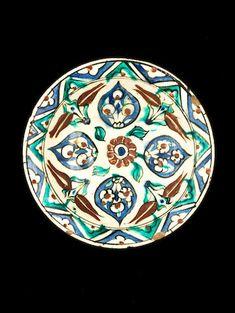 An Iznik pottery Bowl Turkey, Century - Bonny Slab Pottery, Glazes For Pottery, Pottery Bowls, Ceramic Pottery, Turkish Tiles, Portuguese Tiles, Moroccan Tiles, Sculpture Clay, Ceramic Sculptures