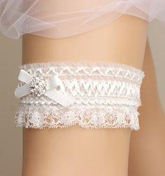 wedding garter bridal garter lace garter white от GadabyGrace