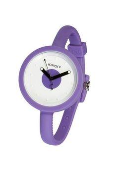 """Reloj IO?ION!, modelo POD VIOLA CIRCLE, analógico. Diseño redondeado, esfera con dibujo de circulo y correa en color violeta, con cierre de clip regulable (cada 5 mm). Diseño ergonómico y ultraligero. Ultraplano. Talla única con pulsera ajustable con hebilla. UNISEX. Sumergible (hasta 30 m. de profundidad). FUNCION """"YES WE CHANGE""""."""