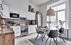 A beautiful kitchen diner - Is To Me