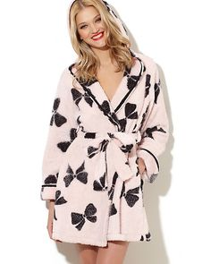 Luxe Fleece Bow Robe, in Blush Pink. So soft and cozy! A warm robe is a must-have for fall and winter!