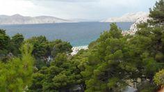 Oświetlone słońcem wody Adriatyku mienią się tysiącami kolorów w zależności od pory dnia Adriatyk ma kolor od błękitnego po turkusowy. #chorwacja #adriatyk #croatia