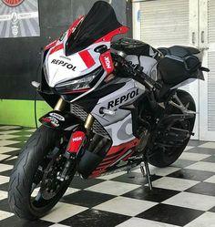 Moto Bike, Motorcycle Bike, Ducati, Bike Stickers, Bike Pic, Kawasaki Zx10r, Honda Bikes, Sportbikes, Cbr