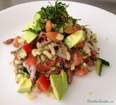 Aprende a preparar ensalada de macarrones con atún con esta rica y fácil receta.  Si estás acostumbrado a las ensaladas de pasta pesadas y llenas de mayonesa, esta...