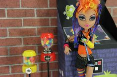 make cute stuff  to make for your doll from a gum ball machine - gum ball machine, lantern, and flash light.