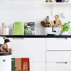 kitchen (Saari-keittiöt) - Glorian Koti Kitchen Styling, Scandinavian Style, Kitchen Dining, Kitchen Ideas, Flat Screen, Design, Kitchen Dining Living, Flat Screen Display, Design Comics