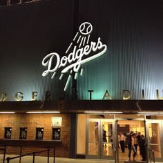 Go to a Dodgers baseball game! Dodgers Gear, Let's Go Dodgers, Dodgers Nation, Dodgers Baseball, Dodgers Party, Dodger Game, Dodger Stadium, Baseball Park, Baseball Games