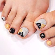 Nail Designs 2019 With Rhinestones concerning Nail Designs For Short Nails Pictures these Nail Designs With Marble until Nail Art Designs For Short Nails At Home Videos Toenail Art Designs, New Nail Designs, Pedicure Designs, Pedicure Nail Art, Toe Nail Art, Manicure, Pedicure Ideas, Nail Ideas, Pretty Toe Nails